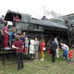 WA Jeunes Familles entering steamengine 3013